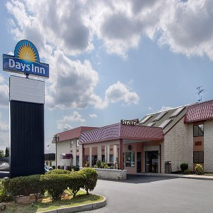 Welcome to the Days Inn Hillsborough-South