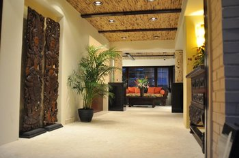La Jolla hotel room lobby Pantai Inn