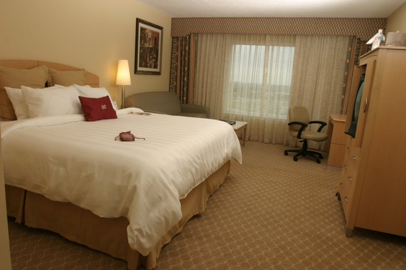 Wheelchair Accessible King Room Crowne Plaza Orlan