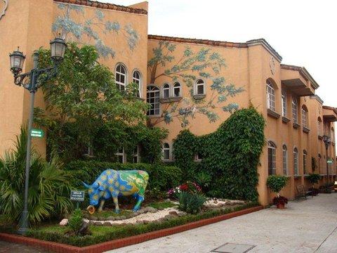 Casa Conde Apartotel & Suites