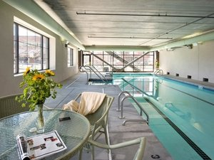 Pool - Grand Eastonian Suites Hotel Easton