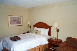 Room - Hampton Inn Shallowford Road Chattanooga
