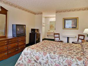 Room - Days Inn & Suites Pine Mountain