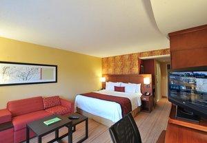 Room - Courtyard by Marriott Hotel McDonough