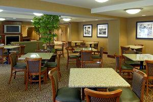 Restaurant - Hampton Inn Dubuque