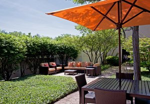Exterior view - Courtyard by Marriott Hotel Elmhurst