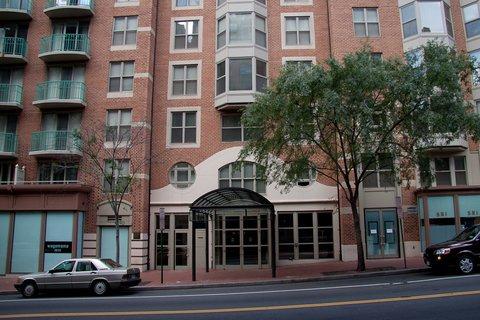 Washington Furnished Apartment Entrance