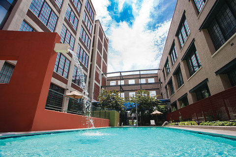 Richmond Furnished Apartment Swimming Pool