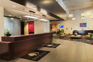 Lobby - DoubleTree by Hilton Hotel Magnificent Mile Chicago