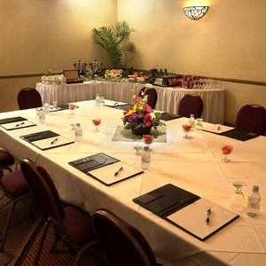 Meeting Facilities - DoubleTree by Hilton Hotel Claremont