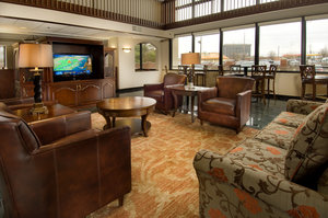 Lobby - Drury Inn & Suites East Louisville