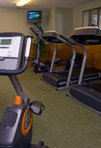 Fitness/ Exercise Room - Jacksonville Plaza Hotel & Suites