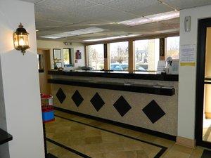 Lobby - Deluxe Inn & Suites York