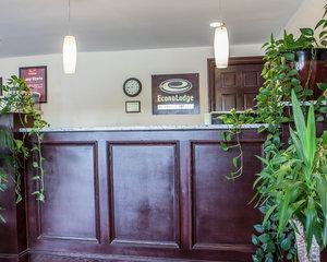Lobby - Econo Lodge Newton