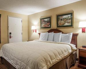 Room - Econo Lodge Newton