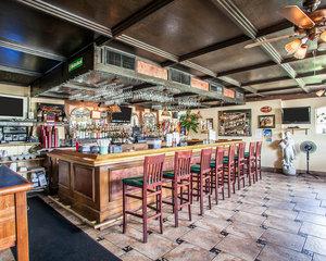 Restaurant - Econo Lodge Newton