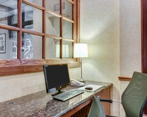 Conference Area - Clarion Inn Fairmont