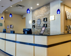 Lobby - Comfort Inn & Suites Downtown Little Rock
