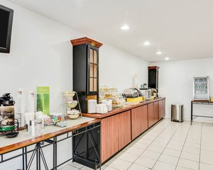 Restaurant - Quality Inn Fairmont