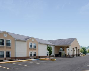 Exterior view - Quality Inn Fairmont