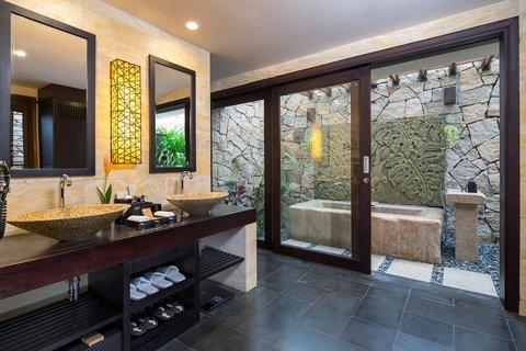 Bathroom Deluxe at Amiana Resort
