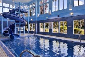 Pool - Hampton Inn & Suites University Northwest Calgary