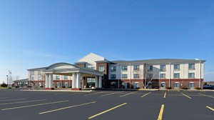 Exterior view - Holiday Inn Express Hotel & Suites Fort Atkinson