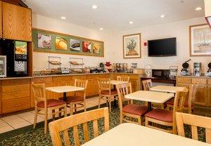Restaurant - Fairfield Inn by Marriott Worlds of Fun Kansas City