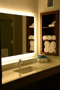 - Holiday Inn Express Hotel & Suites California