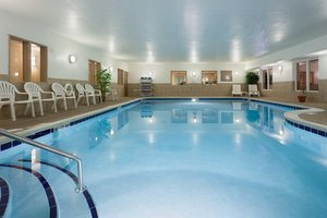 Pool - Holiday Inn Express Hotel & Suites Lititz
