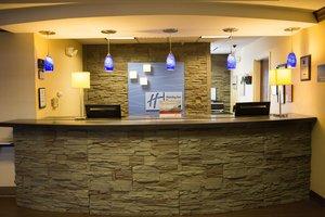 Lobby - Holiday Inn Express Hotel & Suites Hixson