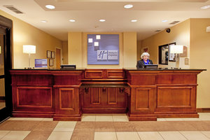 Lobby - Holiday Inn Express Hotel & Suites Hardeeville
