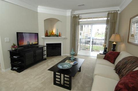 Hampton Furnished Apartment Living Room