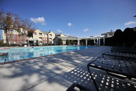 Chester Furnished Apartment Exterior And Pool