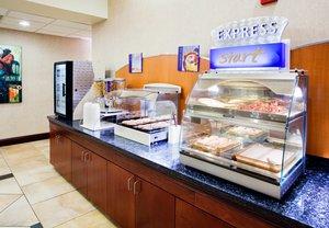 Restaurant - Holiday Inn Express Hotel & Suites Charlotte