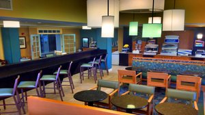 Restaurant - Holiday Inn Express Hotel & Suites Bluffton