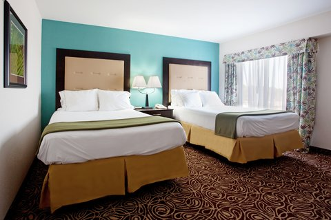 Two Bedroom Suite, second room with 2 double beds