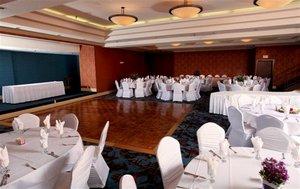 Ballroom - Holiday Inn Dubuque