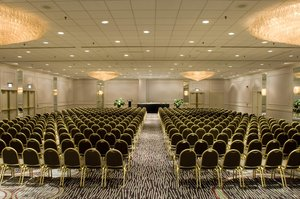 Ballroom - DoubleTree by Hilton Hotel Magnificent Mile Chicago