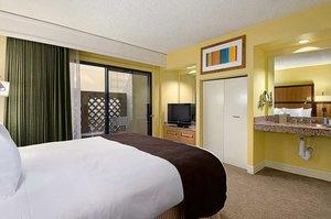Room - Pointe Hilton Tapatio Cliffs Resort Phoenix