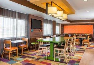 Lobby - Fairfield Inn by Marriott Grand Rapids