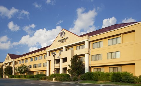 DoubleTree Suites by Hilton Hotel Nashville Airport