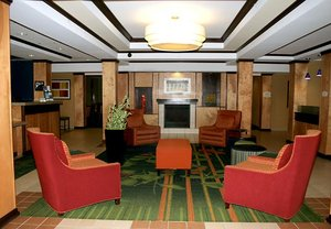 Lobby - Fairfield Inn & Suites by Marriott Fairmont