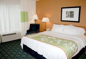 Room - Fairfield Inn & Suites by Marriott Fairmont