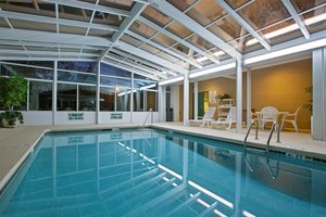 Pool - Country Inn & Suites by Carlson Airport Cayce