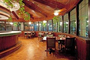 Restaurant - Holiday Inn Patriots Point Mt Pleasant