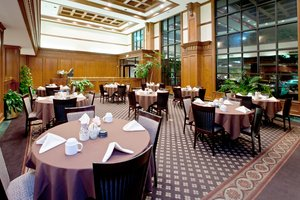 Restaurant - Holiday Inn Hotel & Suites Huntington