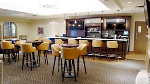 Bar - Doubletree by Hilton Hotel Leominster