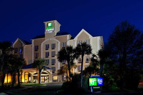 Welcome . . . Holiday Inn Express & Suites Murrell