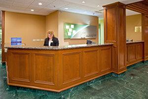 Lobby - Holiday Inn Hotel & Suites Huntington